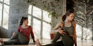 The benefits of learning yoga with an online teacher